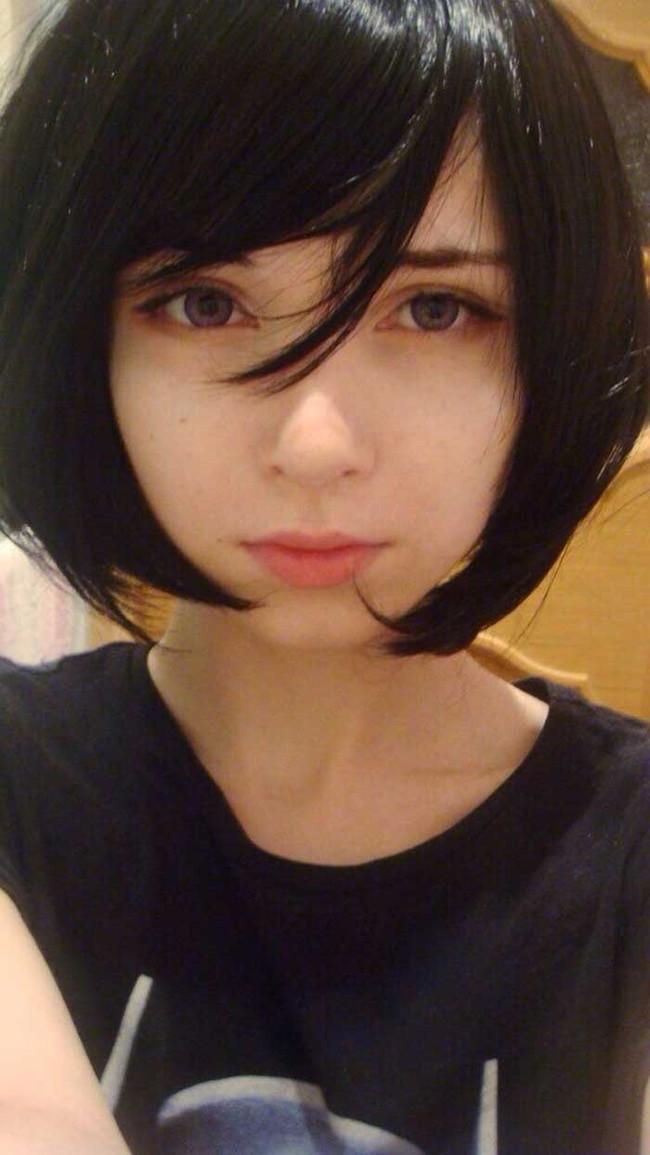 黒髪でもこの美しさ…ロシア美女恐るべしw