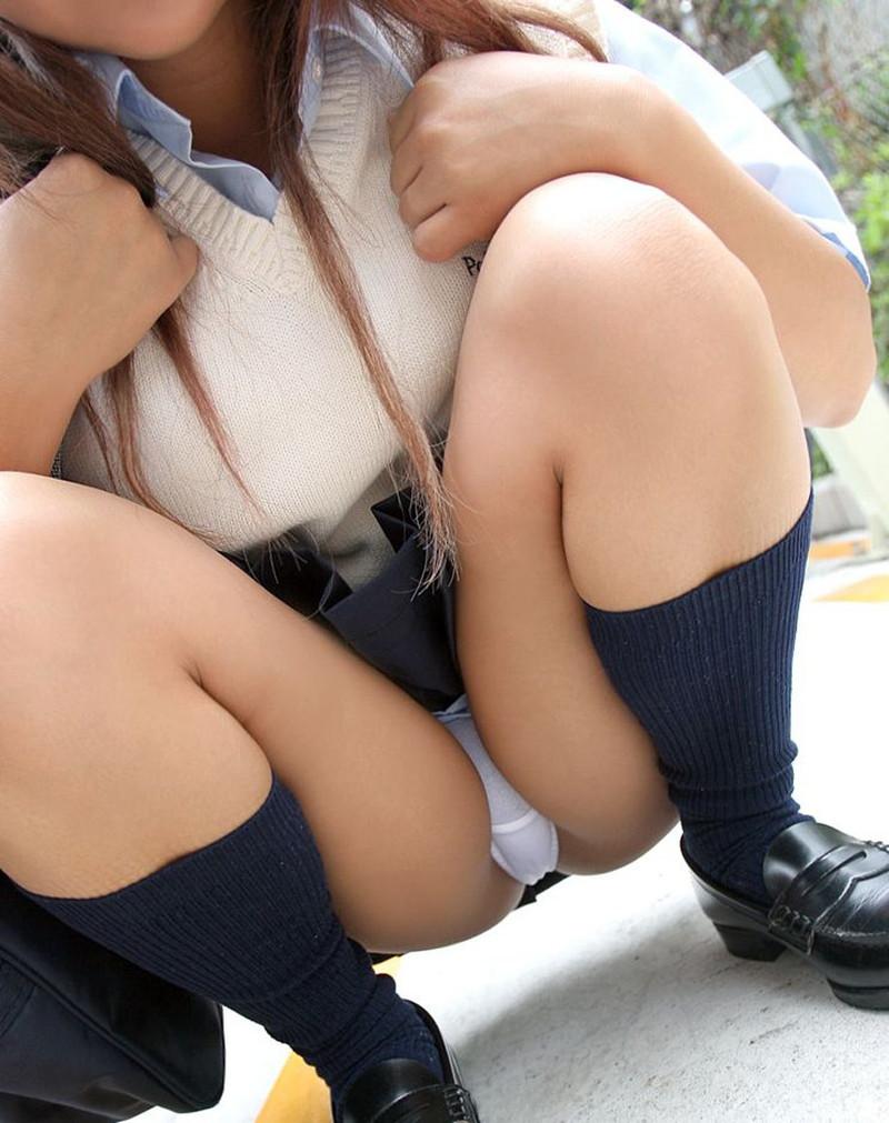 女子校生のエロいパンチラいいよね~www