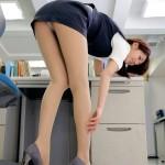 【美脚エロ画像】OLさんのタイトスカートから覗く美脚がエロいすぎてまるでスペースシャトル!!(28枚)