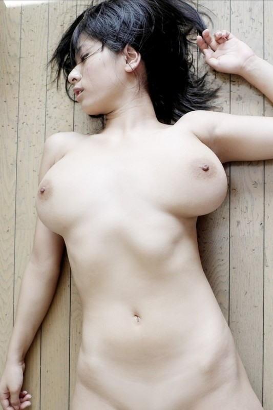 【美白エロ画像】美肌と美白を守るお姉さん達って素敵ですよね!ていうエロ画像集めました!w(25枚)