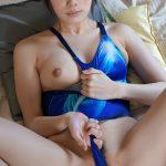 【競泳水着エロ画像】夏にぴったり爽やかブルーの身体に張り付く競泳水着がエロい!(27枚)