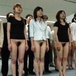 【ヌードエロ画像】裸にヒールとは何とも勇気のあるお出かけですよ…w(30枚)