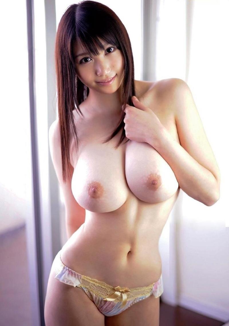 【美肌エロ画像】白く透き通る女性の綺麗なお肌に目が離せない!(33枚)