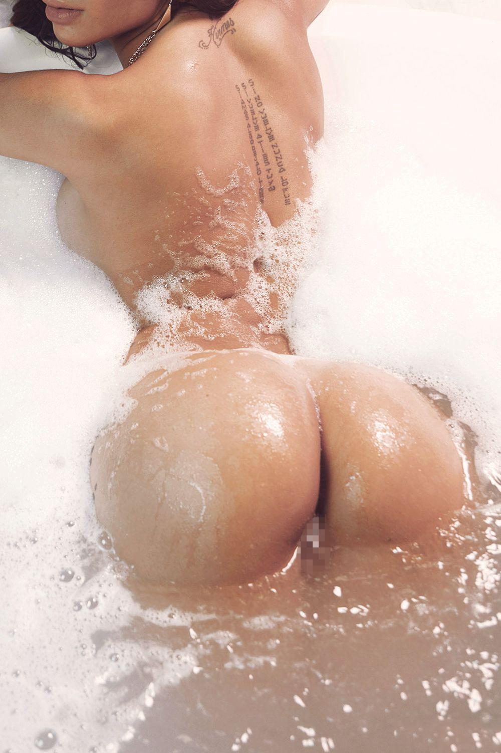 【外人エロ画像】お正月に海外に行きたくなりそうな海外美女達のフルヌード!(26枚)