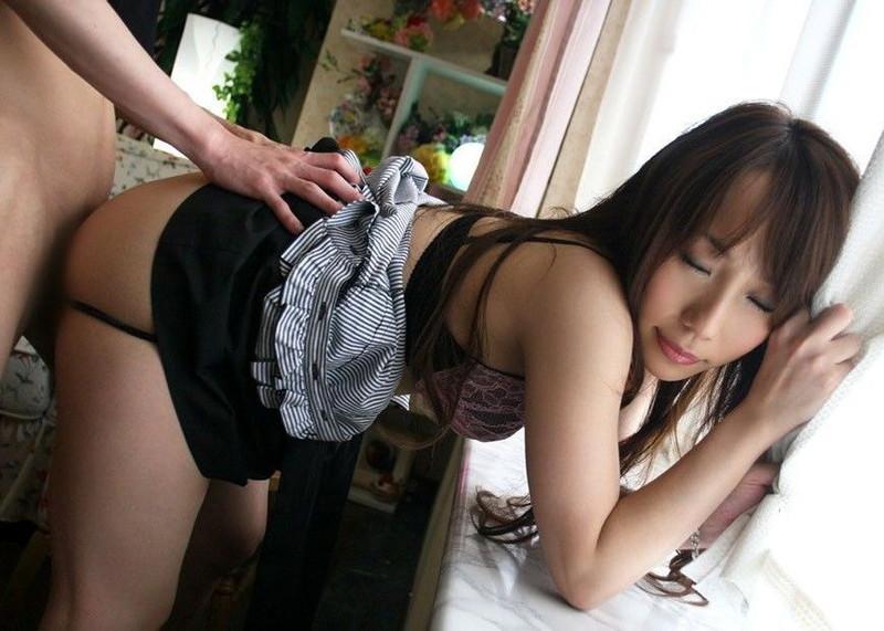 【着衣セックスエロ画像】出会ったらすぐさま始められる着衣セックス!(23枚)