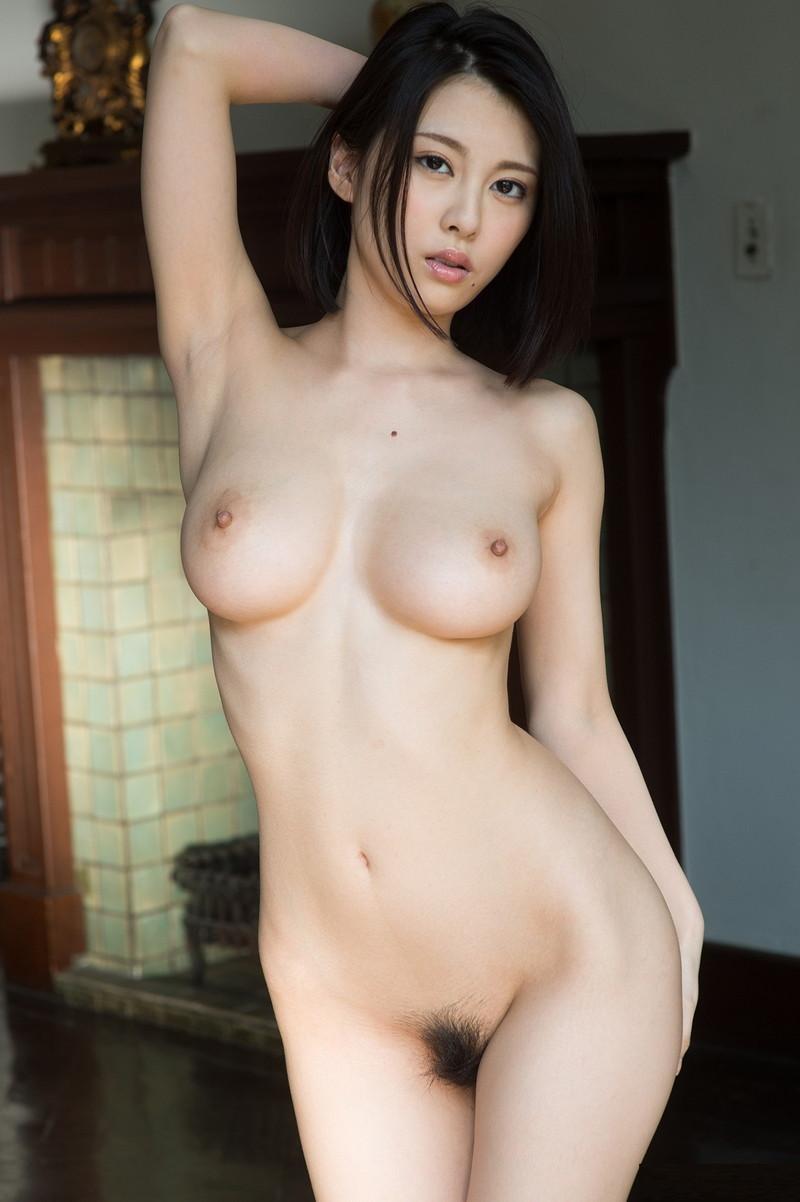 【ヌードエロ画像】巨乳美女達のフルヌードに目が離せない!(29枚)