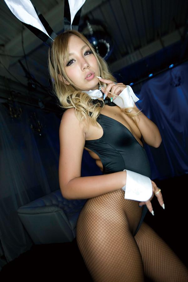 【バニーガールエロ画像】やっぱりバニーちゃんは網タイツ履いて欲しい!(25枚)