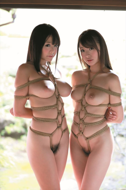 【緊縛エロ画像】食い込む縄がお姉さんを拘束するS心くすぐる画像集!(24枚)