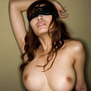【目隠しエロ画像】何されるかわからないから興奮が倍増しそうな目隠しプレイ!(23枚)