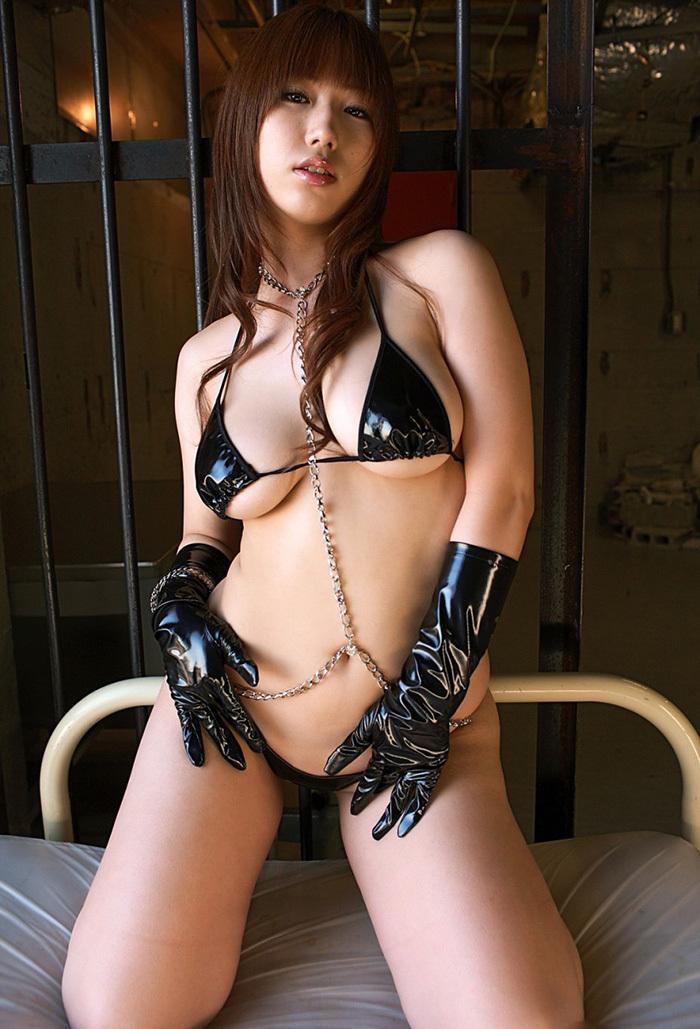 【痴女エロ画像】責められたい…手コキや顔騎や足コキで魅力的な痴女に責められたい…(30枚)