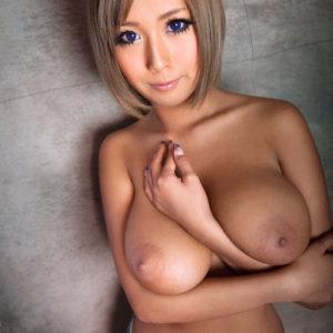 【爆乳エロ画像】綺麗なお姉さんは爆乳なのにスレンダー!(52枚)