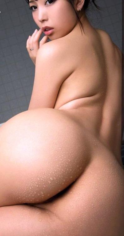 【美尻エロ画像】クビレと美尻の黄金コンビが魅力的な曲線美を生み出す!?(90枚)※05/26追加