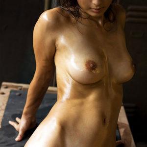 【オイルエロ画像】ヌルっとテカっとより裸をそそらせるオイルが魅力的!(25枚)