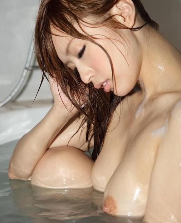 【濡れ髪エロ画像】髪が濡れただけでこんなにも色気が増すなんて…(26枚)