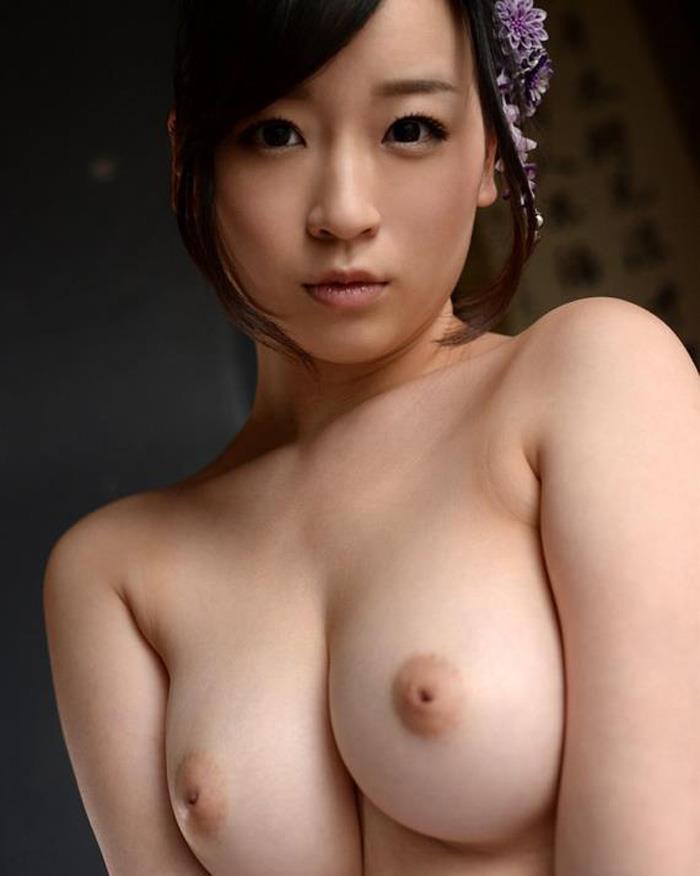 【陥没乳首エロ画像】恥ずかしがり屋な乳首がやけに可愛い!(29枚)