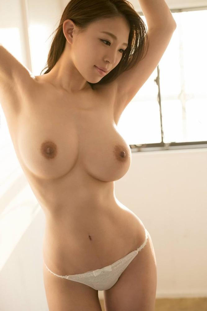 【抜けるエロ画像】美女がかけ湯してるセクシーなシーンや顔射など幅広いジャンルを一気に確認できちゃうまとめ記事!(30枚)