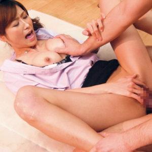 【セックスエロ画像】クリ弄りセックスで更に気持ちいい!(20枚)