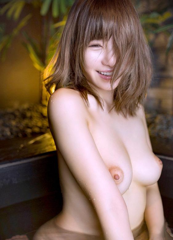 【美白美女エロ画像】最高に綺麗な美白美女のヌードを厳選してまとめました!(41枚)