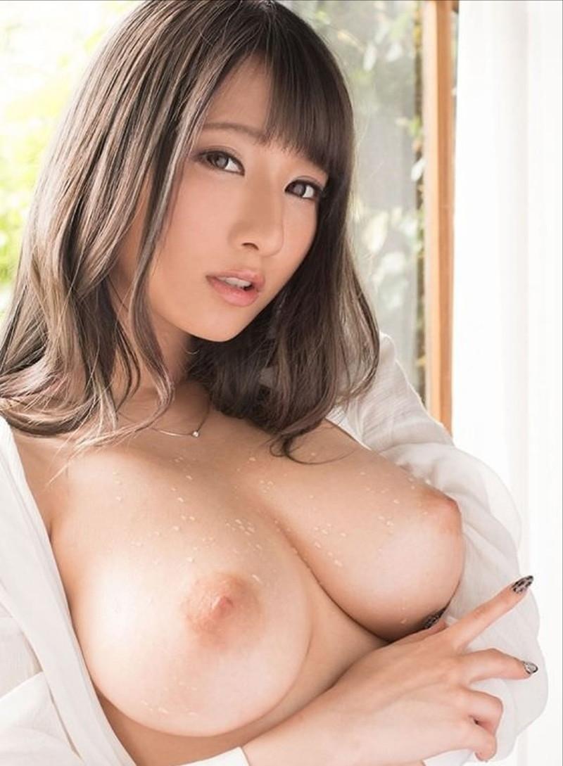 【乳首エロ画像】ピンクの乳首が美しい美女達の美乳の画像をまとめたぞ!(27枚)