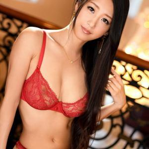 【セクシーランジェリーエロ画像】細身美女のクビレも堪らん高級ランジェリー着てるエロ画像!(31枚)