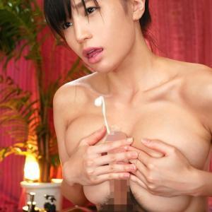 【パイズリエロ画像】力強く両乳で挟んで擦って一生懸命なパイズリ!(30枚)