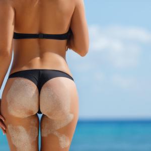 【ビキニ尻エロ画像】むしろ美しい砂まみれのビキニ穿いてるお尻!(16枚)