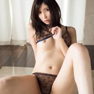 【クールビューティーエロ画像】落ち着いた雰囲気漂う美女のクールなヌード!(23枚)