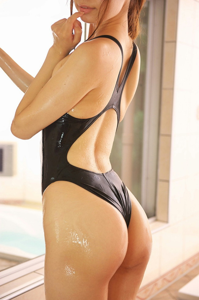 【競泳水着エロ画像】後ろはTバックで前はハイレグってどんだけエロい水着なんだ!(18枚)