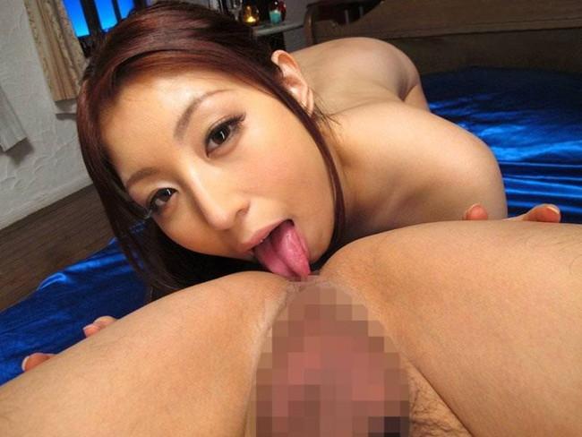 【アナル舐めエロ画像】お姉さんの柔らかい舌で男のアナルをほじって舐めてるエロ画像!(29枚)
