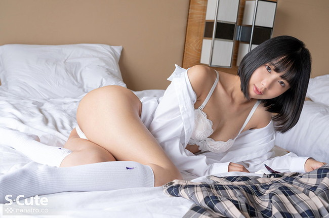 【女子校生エロ画像】若い内からチンポ好きになっちゃった制服娘(30枚)