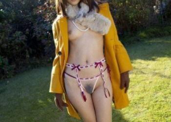 【野外露出エロ画像】野外でシースルーランジェリーでほぼ裸の露出プレイ!(24枚)