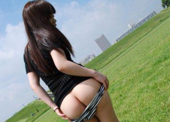 【野外露出エロ画像】外なのにケツ出す野外露出のエロ画像!(26枚)
