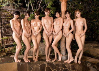 【ヌードエロ画像】ギャルも美女もみんなで脱げば大胆になる!?(20枚)