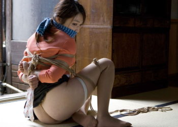 【緊縛エロ画像】現代でも存在した奴隷たち!!縄で縛られることに興奮する変態お姉さん達!!!(31枚)